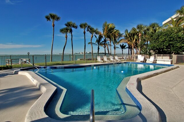 fiberglass pools in florida